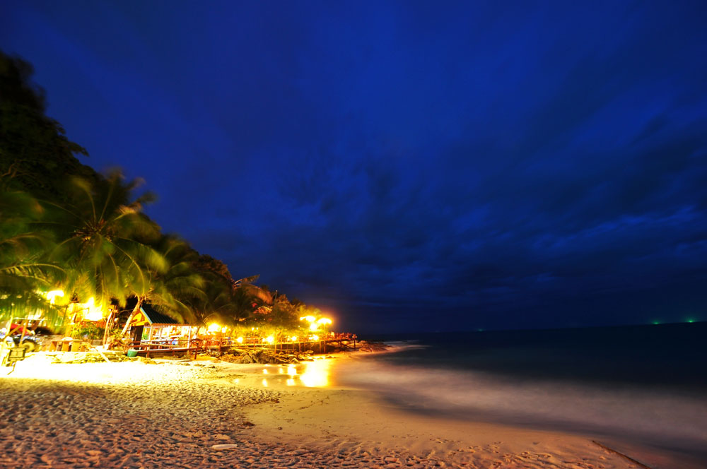 koh-pha-gnan-beach-shot-at-night